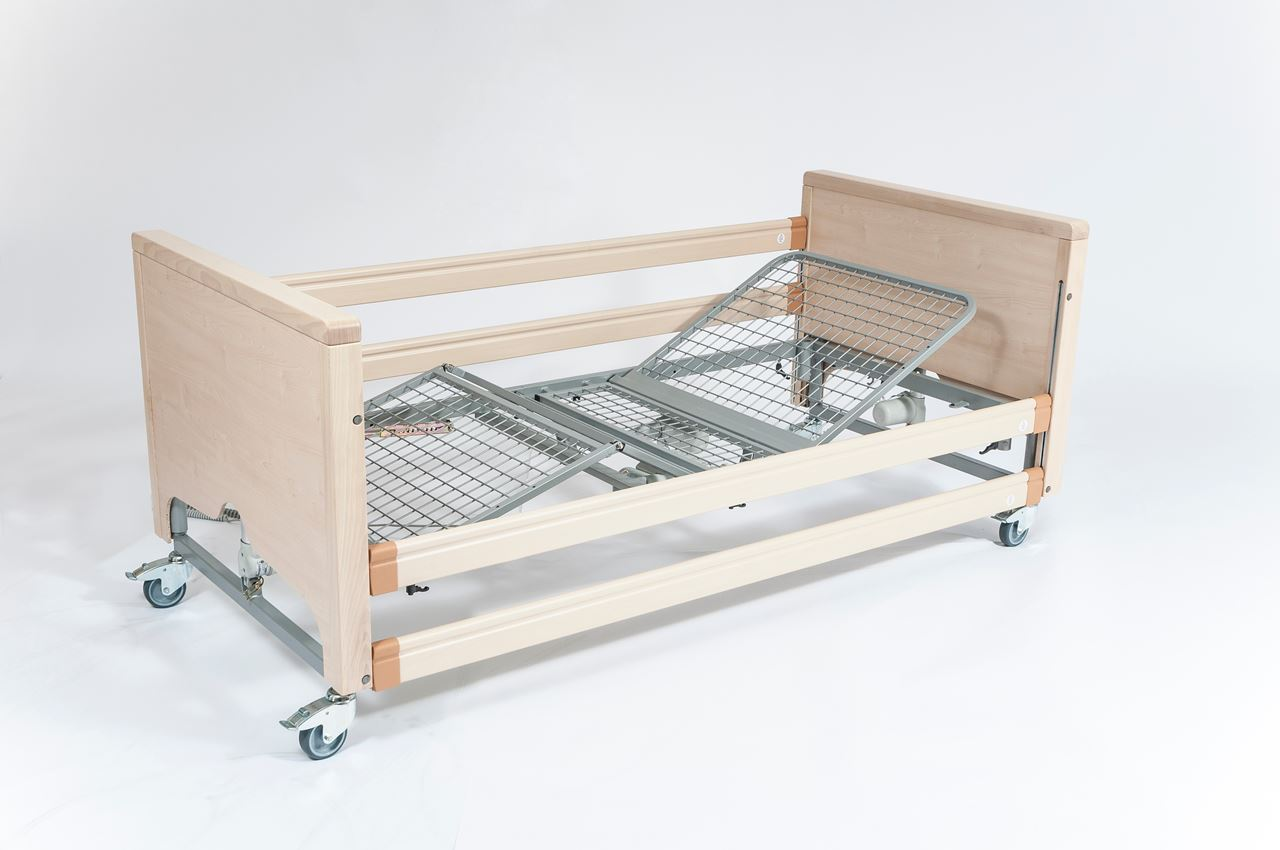 Picture of Casa Med Classic FS Low Profiling Bed - Maple with Metal Mesh and Side Rails