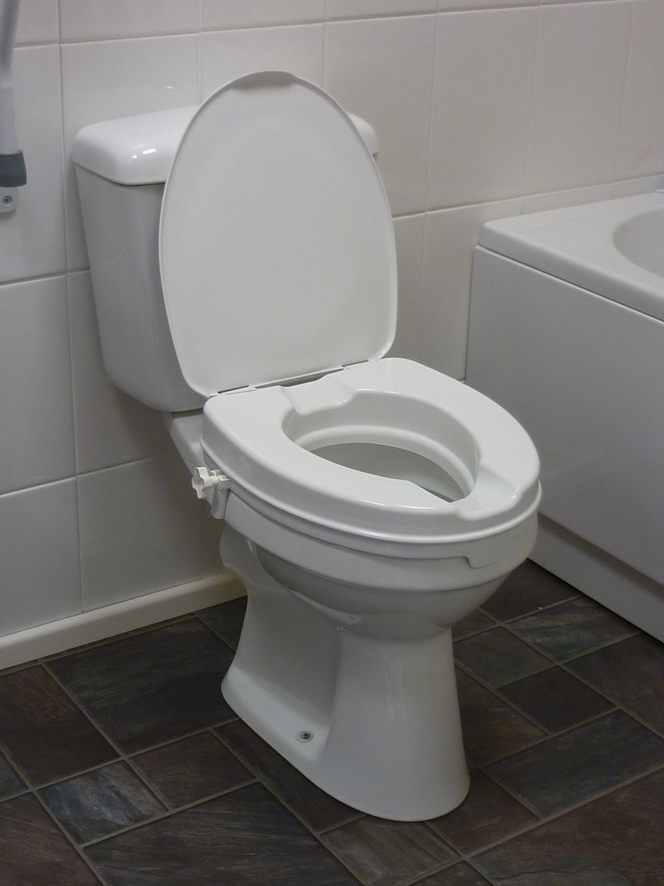 "Picture of 6"" Raised Toilet Seat with Lid"